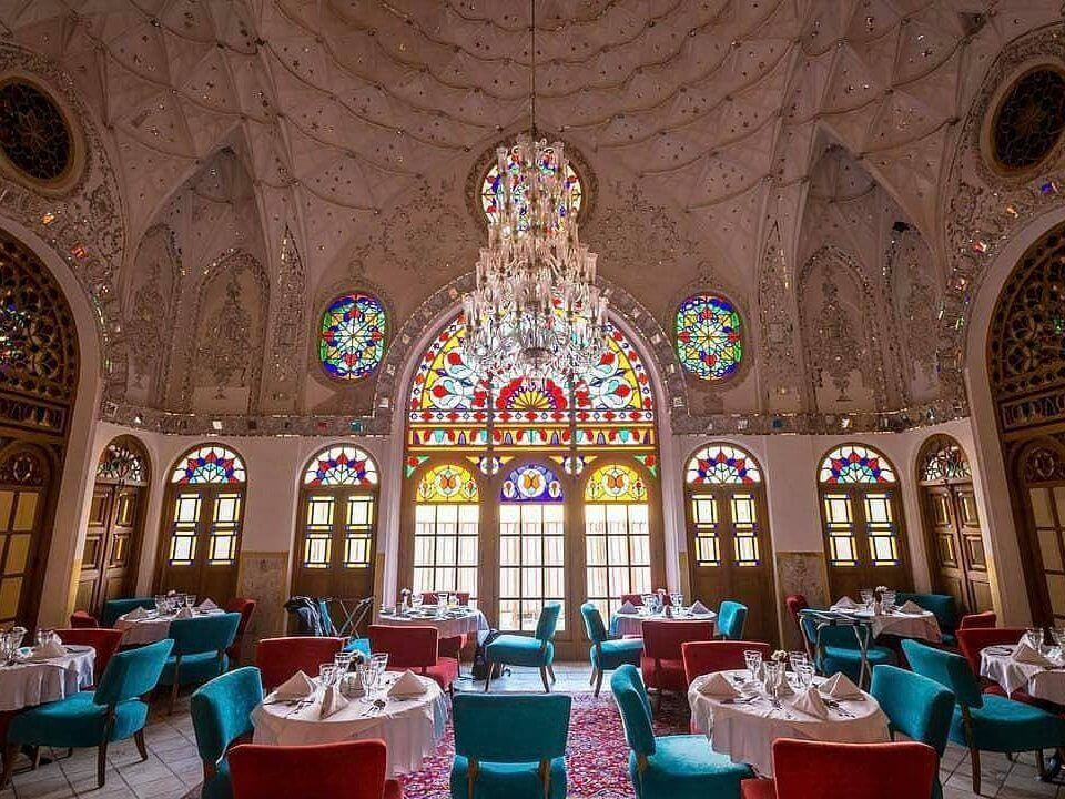 رستوران سنتی مدرن